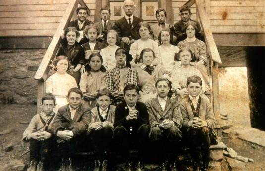 Egbert T. Bush and students of the Van Dolah School
