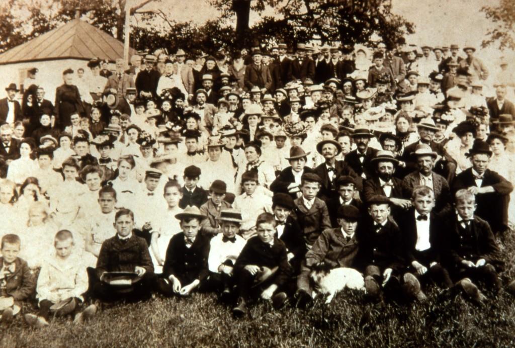 Van Dolah school reunion, 1902